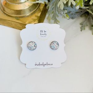 Jewelry - Glitter stud earrings